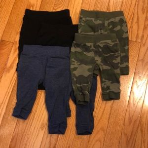 Lot of Old navy pants. 6 total.